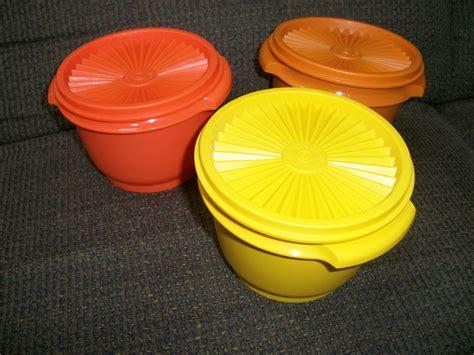vintage tupperware selling vintage tupperware pickle keeper servalier bowls pie taker serve it all everything