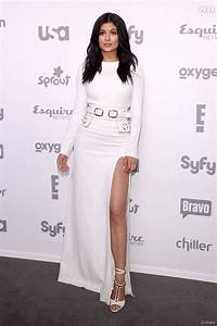 Kylie jenner sexy en robe blanche en mai 2015 for Kylie jenner robe