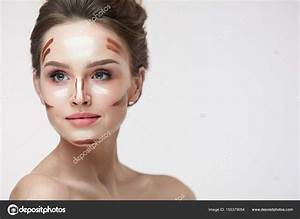 How To Do Natural Makeup With Contouring