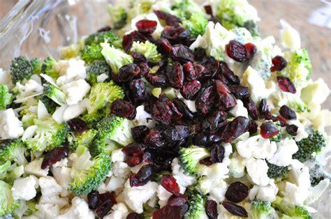 recette cuisine plus salade de brocoli et chou fleur avec une vinaigrette à la