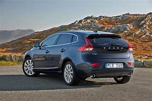 4 4 Volvo : volvo v40 model year 2015 volvo car uk media newsroom ~ Medecine-chirurgie-esthetiques.com Avis de Voitures