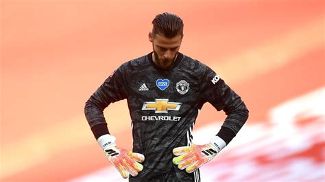 His current girlfriend or wife, his salary and his tattoos. David de Gea comes to the end of the line at Manchester United - Eurosport