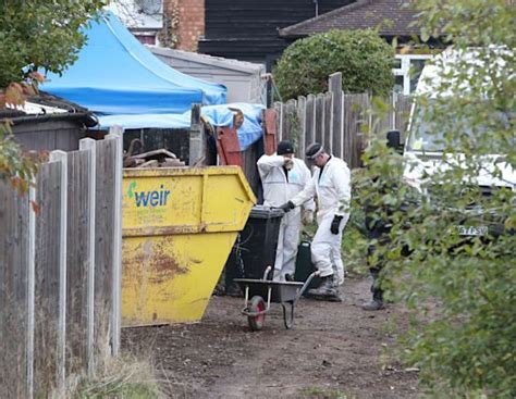 Suzy Lamplugh murder: Police search widens to patio area