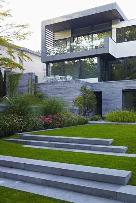 Schöner Moderner Garten by Taludes Desniveles Y Escaleras En El Jard 237 N Fotos