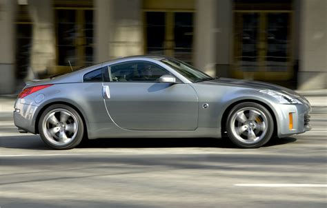 nissan sports car 2006 nissan 350z trim levels and features ruelspot com