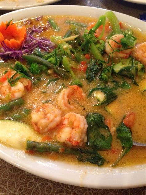 baan cuisine chu chee curry with shrimp yelp