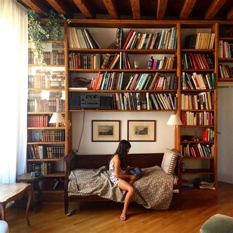 Bookcase In Bedroom by 25 Best Ideas About Library Bedroom On