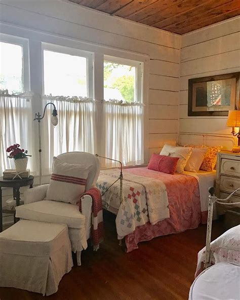 Best 25+ Country Bedrooms Ideas On Pinterest  Rustic