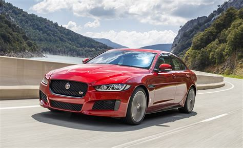 2018 Jaguar Xe Updated With New Engine Options