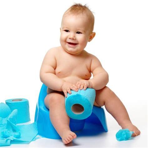 comment mettre au pot bebe comment mettre b 233 b 233 sur le pot