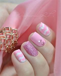 Cute pink nail designs for pretty