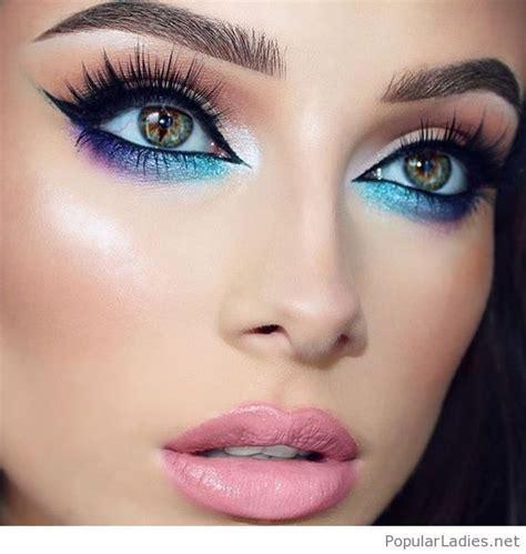 Amazing gradient eye makeup, so colorful