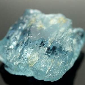 29.79cts Blue Aquamarine Rough - Facet Grade   Seda Gems