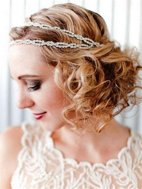 curly hairstyle  headband  christmas party women