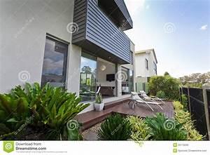 Moderne Hausfassaden Fotos : moderne hausfassade stockfoto bild von sch n niemand 25170250 ~ Orissabook.com Haus und Dekorationen