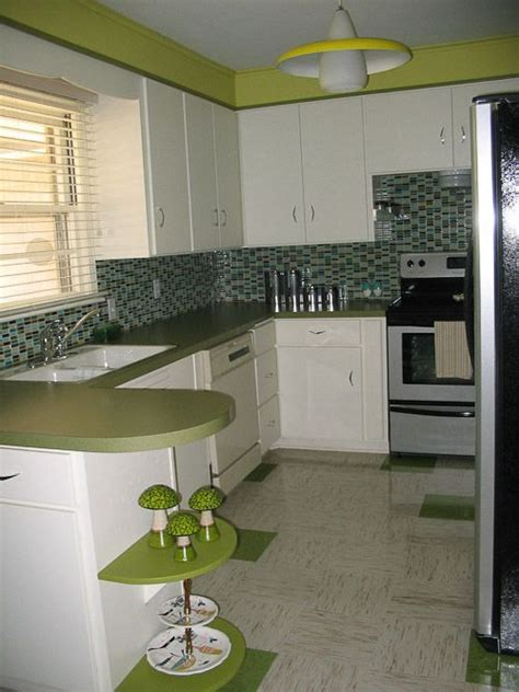 what are popular kitchen colors 96 best images about kitchen on vintage 8932