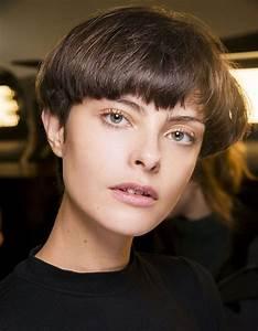 Coupe Courte De Cheveux Femme : 10 coupes courtes automne hiver 2018 2019 taaora blog mode tendances looks ~ Dallasstarsshop.com Idées de Décoration