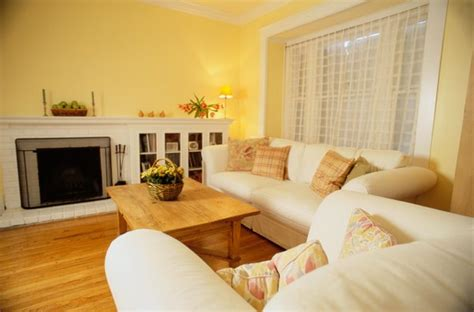 tips  rearranging  small living room home guides sf