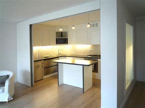 porte de cuisine coulissante image cuisine semi ouverte avec porte coulissante olivier