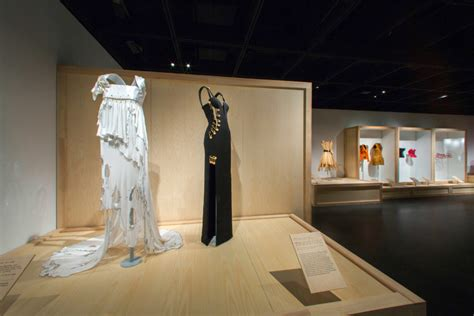 met museum of modern costume institute at the met new exhibition vogue arabia