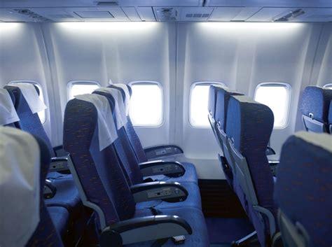 transat reservation de siege voyage en avion payer pour des extras ça vaut la peine