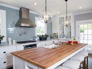 """""""Fixer Upper"""": 7 House Flips That Will Make Your Jaw Drop"""
