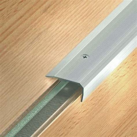 nez de marche en aluminium pour usage tertiaire int 233 rieur ou ext 233 rieur mod 232 le 43v small dinac