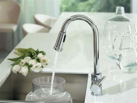 faucet for kitchen sink moen 7175 single lever pull out kitchen faucet with 7 7 8 7175