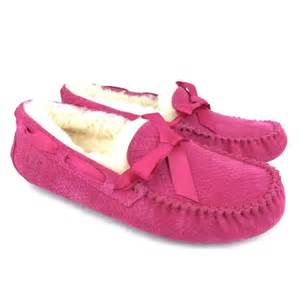 pink ugg slippers sale ugg dakota slippers in pink
