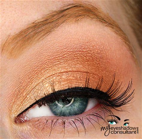 spotlight  mac amber lights  eyeshadow consultant