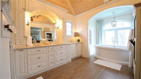 salle de bain classique blanche ateliers jacob
