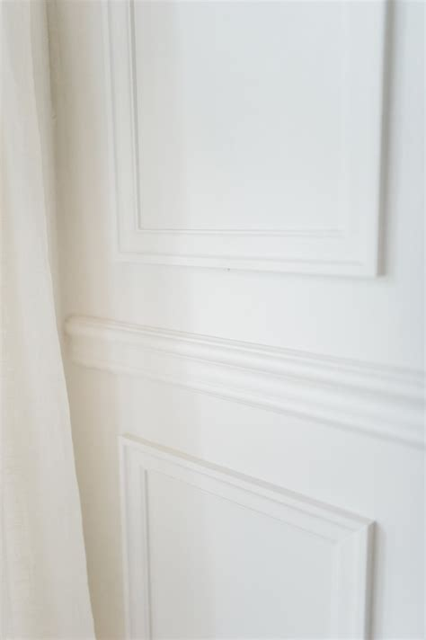 chair rail wainscoting detail metrie  leslie style
