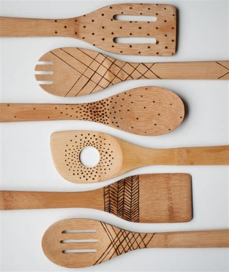 diy etched wooden spoons utensils