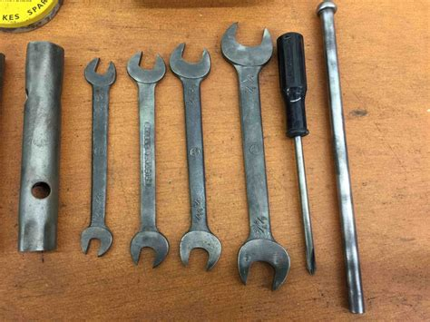 vintage jaguar xke  type tool kit early series