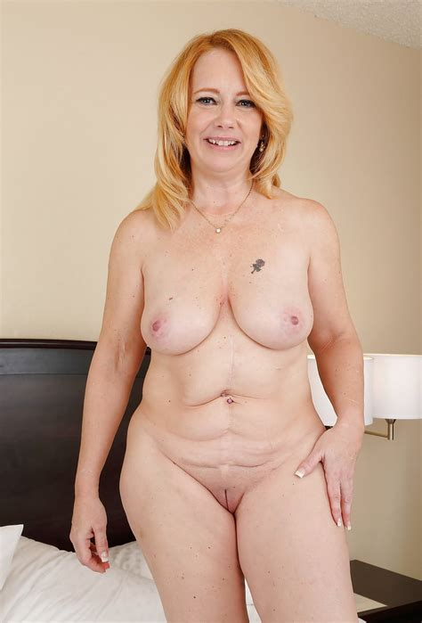 Sexy Busty Mature Milf Roseanne Hotel Room Tease Pics Xhamster