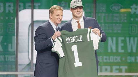 josh mccown  zinged   daughter  darnold pick