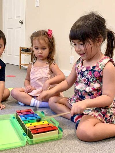 Learn more about how music instruction is good for your how to run a toddler music class: Toddler Music Classes at FreshStart