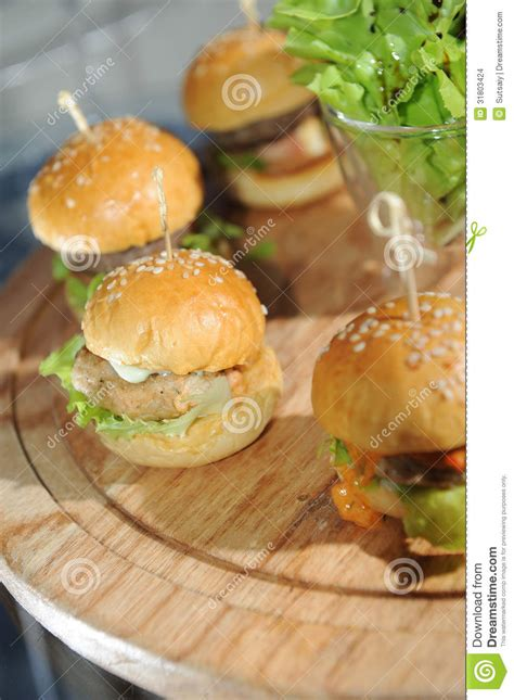 am駭agement mini cuisine mini hamburgers stock images image 31803424