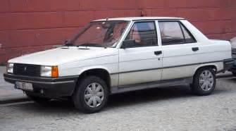 1992 Renault 9 Broadway (tr).jpg