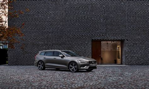 volvo   drive review elegance wagon style