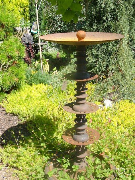 rusty garden ideas  pinterest country garden