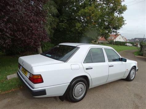 Sedan, 4 doors, 5 seats. 1992 Mercedes 200 E Auto for Sale | CCFS