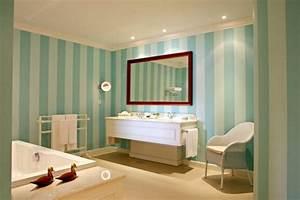 Tapeten Fürs Bad : badezimmer tapeten gestalten sie ihren pers nlichen erholungsort ~ Yasmunasinghe.com Haus und Dekorationen