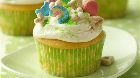 lucky charms cupcakes recipe tablespooncom