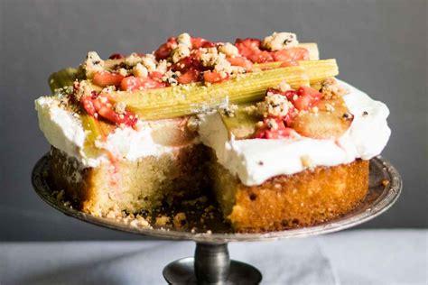 Rabarberu - mandeļu kūka   Receptes