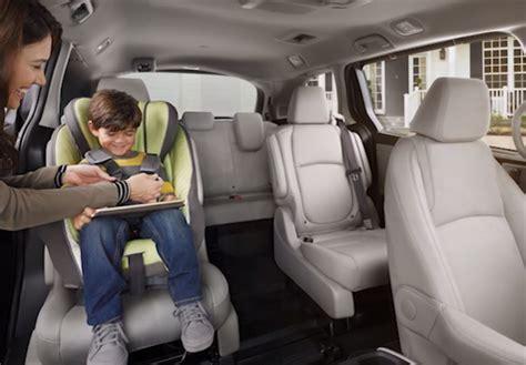 honda odyssey interior technology  features