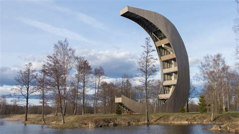 Uzkāpt mēnesī un pastaigāties koku galotnēs Lietuvā