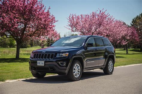 pink jeep grand cherokee review 2016 jeep grand cherokee laredo canadian auto review