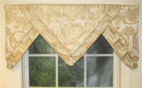 Valances, Swags & Window Toppers ­- Thecurtainshop.com