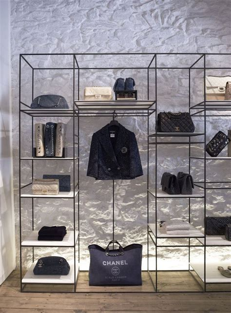 25 best ideas about bag store display on bag